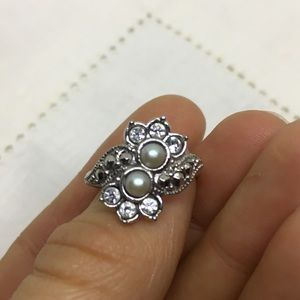 Vintage Avon faux pearl and Marcasite ring 6.5
